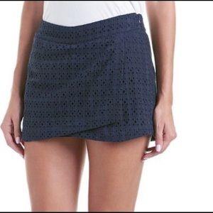 Cabi #5111 Eyelet Skort Shorts Navy Blue Size 4